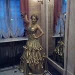 Живая статуя Ариэль