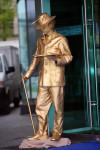Живая статуя Художник