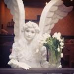 Живая статуя Юный ангел