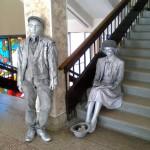 Живая статуя Студент и студентка