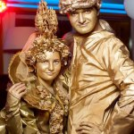 Живые статуи Капитан и Королева